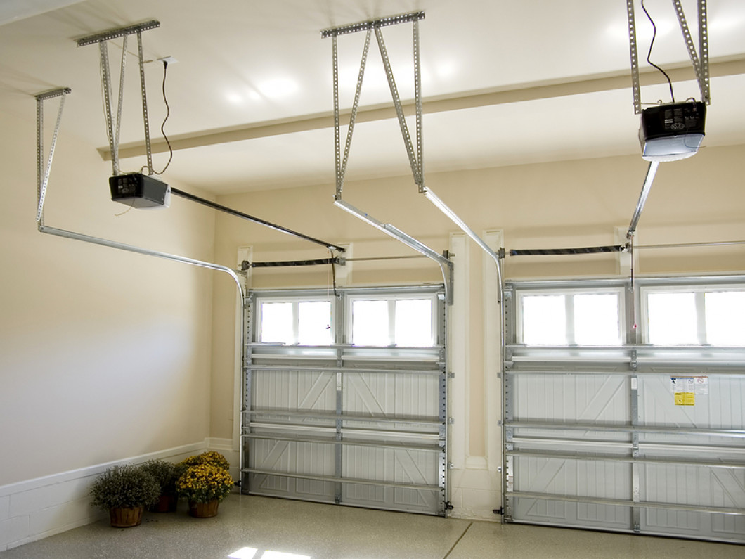 Schedule residential garage door services in Columbus, OH